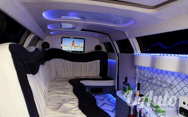 аренда авто Лимузин Chrysler Bentley Style в Киеве