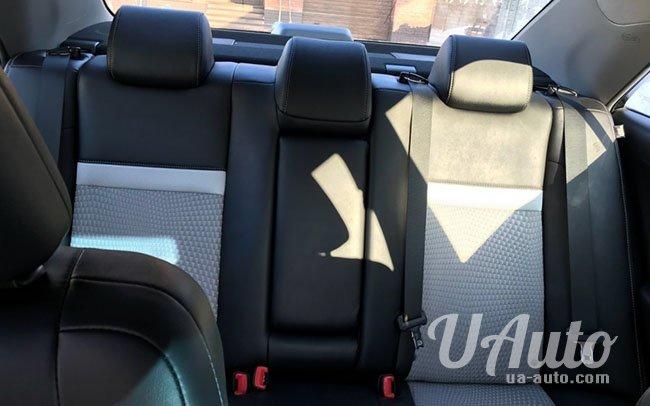 аренда авто Toyota Avensis в Киеве