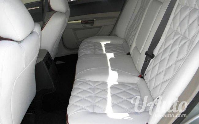 аренда авто Chrysler 300C BLACK BIZON в Киеве