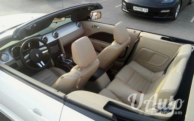 аренда авто Ford Mustang GT Кабриолет в Киеве