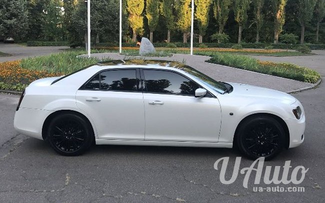 аренда авто Chrysler 300C NEW в Киеве