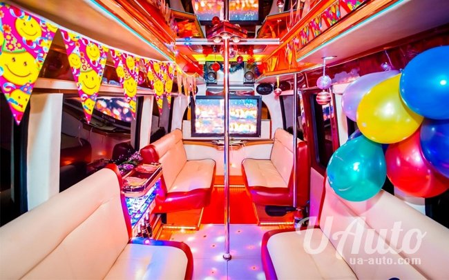 "аренда авто Party Bus ""Voyage"" в Киеве"
