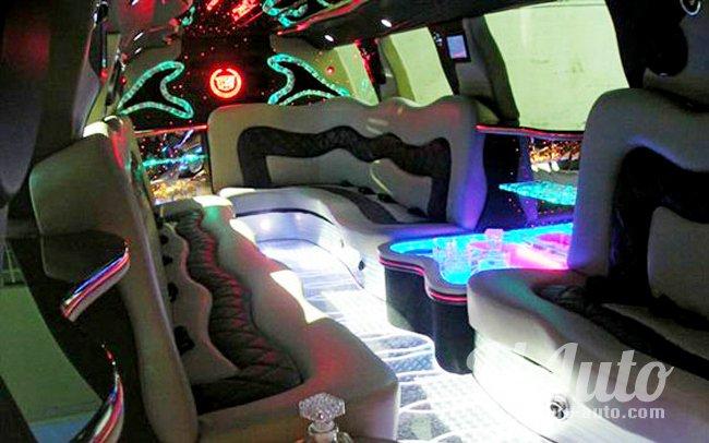 аренда авто Лимузин Hummer H2 Mega в Киеве