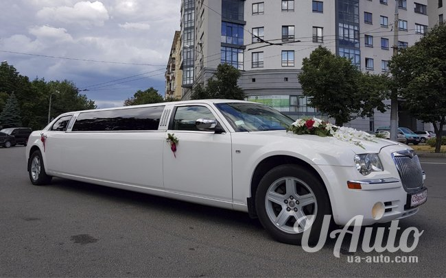 аренда авто Лимузин Chrysler 300C в Киеве