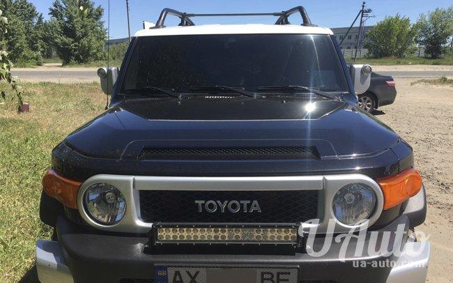 аренда авто Toyota FJ Cruiser в Киеве