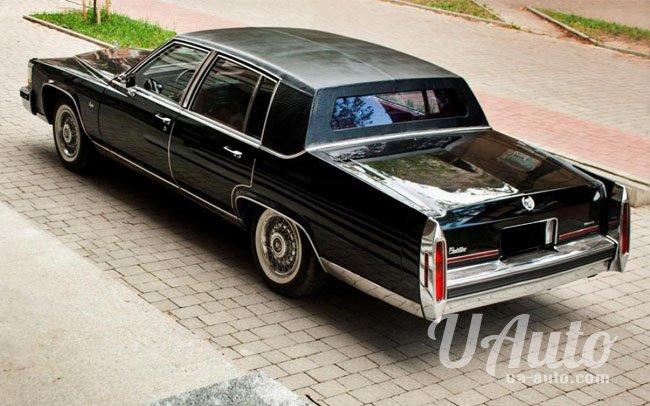 аренда авто Cadillac Brougham d'Elegance в Киеве