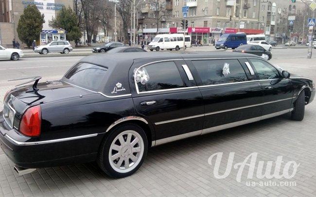 аренда авто Лимузин Lincoln Town Car Limo в Киеве