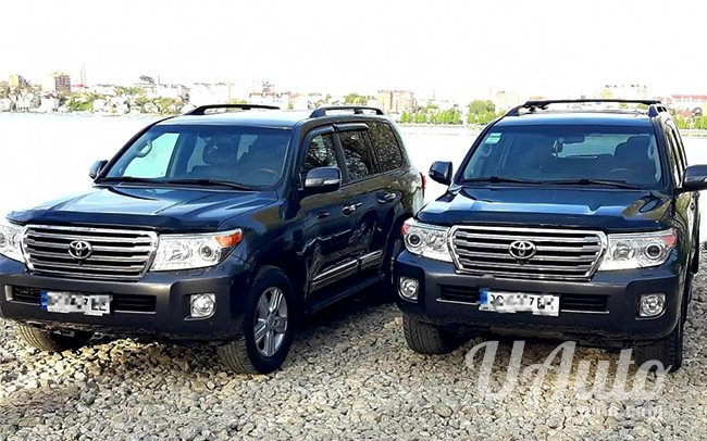 аренда авто Toyota Land Cruiser 200 в Киеве