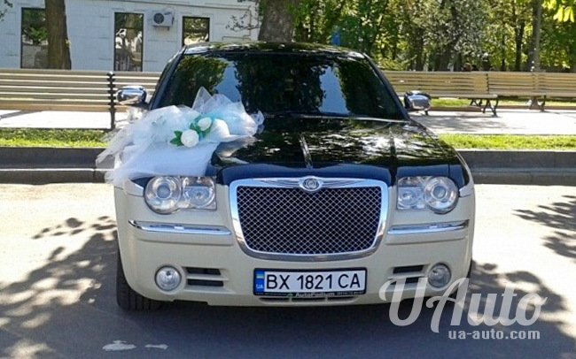 аренда авто Chrysler 300C КИТ Bentley Style в Киеве