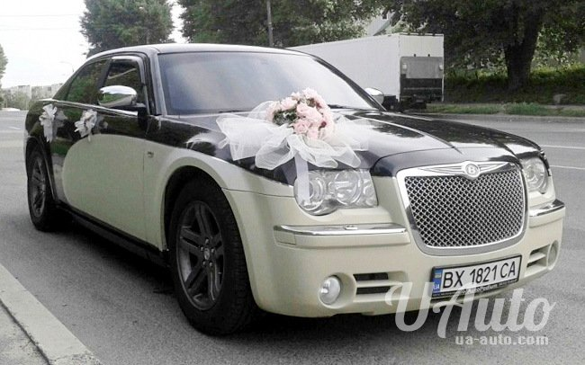 аренда авто Chrysler 300C КИТ Bentley Style на свадьбу