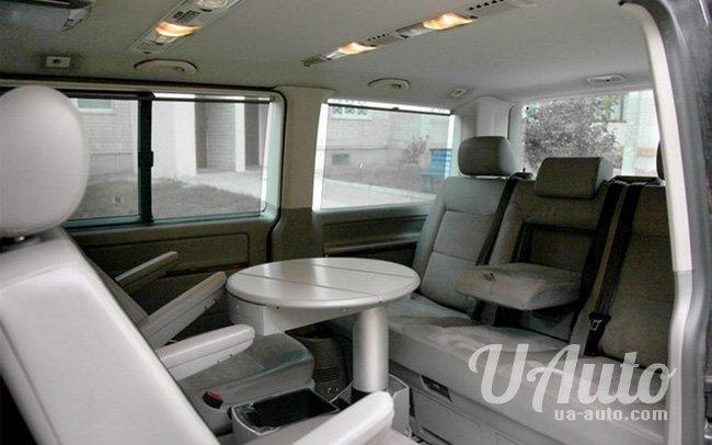 аренда авто Микроавтобус Volkswagen Multivan в Киеве