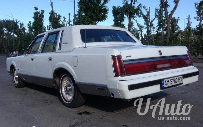 аренда авто Ретро Lincoln Town Car в Киеве