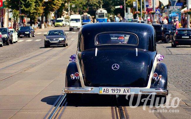 аренда авто Ретро Mercedes 230 в Киеве