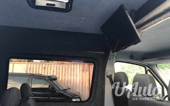 аренда авто Микроавтобус Volkswagen Crafter в Киеве