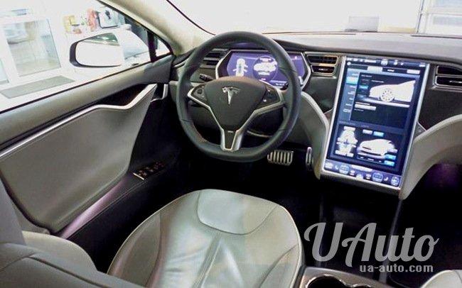 аренда авто Tesla Model S в Киеве