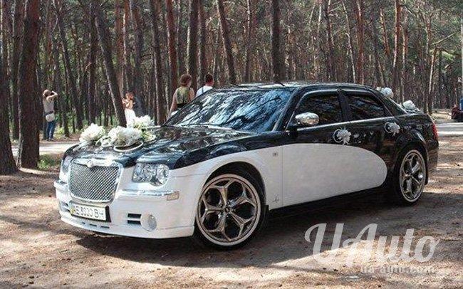 аренда авто Chrysler 300C Кит в Киеве