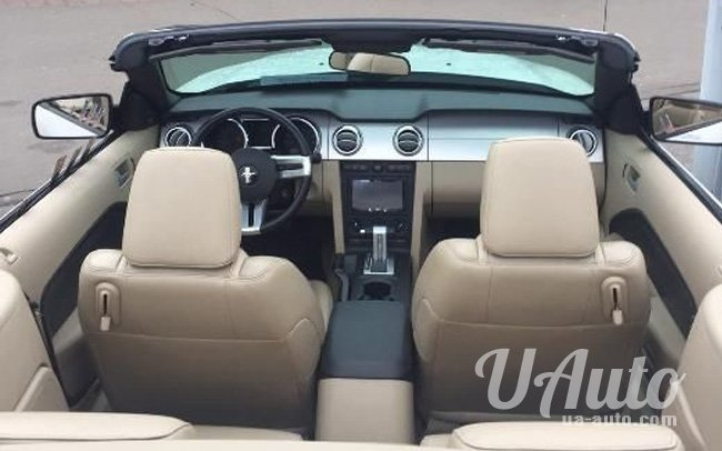 аренда авто Кабриолет Ford Mustang в Киеве