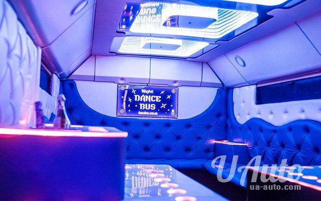 """аренда авто Party Bus """"Manhattan"""" в Киеве"""