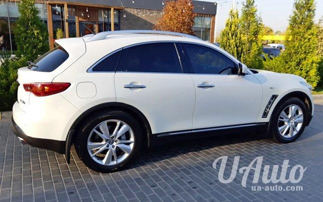 аренда авто Infiniti FX37 в Киеве