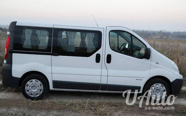 аренда авто Микроавтобус Renault Trafic в Киеве